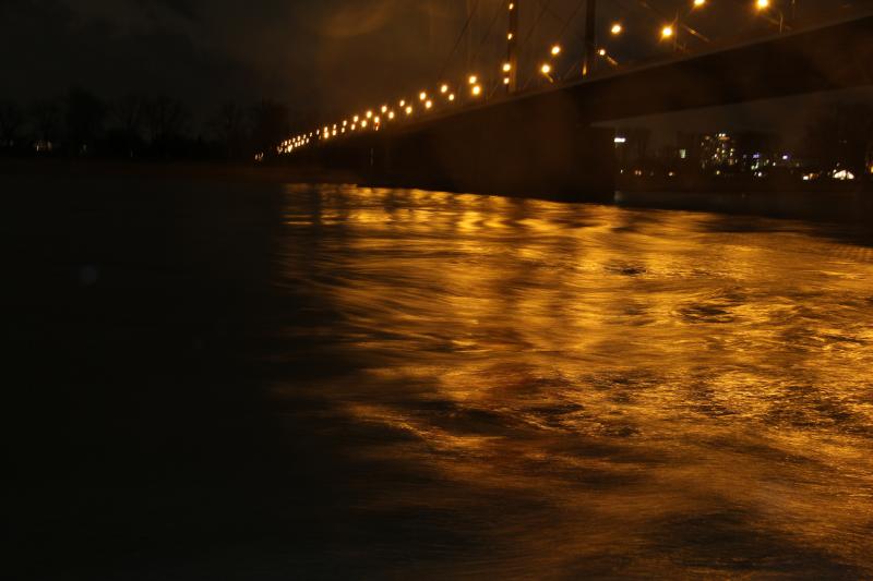 Rhein bei Nacht normale Belichtung