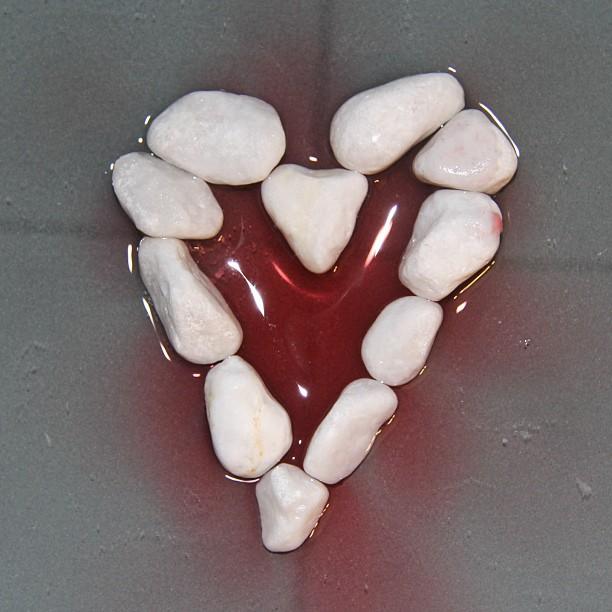 Instagram Foto - #Herz #Steine #Erdbeertee #nofilter einige kennen das Bild vielleicht von meiner Webseite
