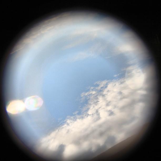 Foto - Über den #Wolken im Flugzeug? Oder nur eine CD vor das Objektiv gehalten?