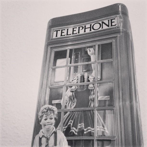 Foto - Der Chamäleon-Schaltkreis spinnt. Jetzt ist es nur noch eine Telefonzelle und keine Polizeinotrufzelle mehr.